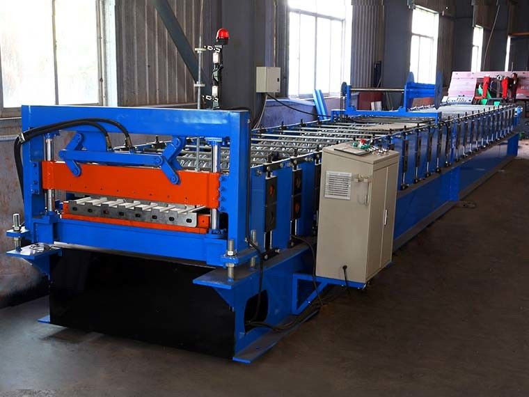Metal Rolling Shutter Door Machine 12-15m/Min , Door Frame Making Machine
